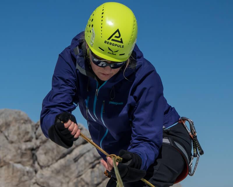 selbst-und-kameradenrettung-klettern-bei-alpinschule-bergpuls-1