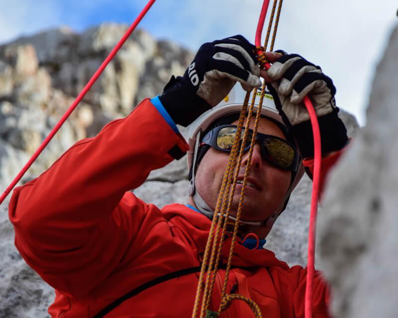selbst-und-kameradenrettung-klettern-bei-alpinschule-bergpuls-5